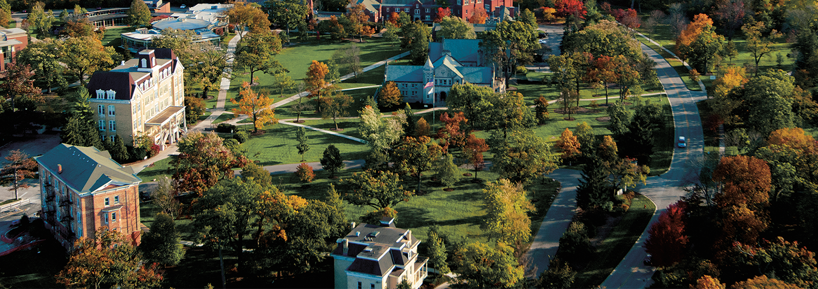 aerial view of Lake Forest College