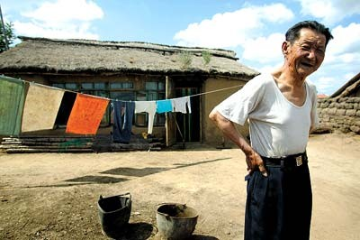 One of the last old people who speaks Manchu language