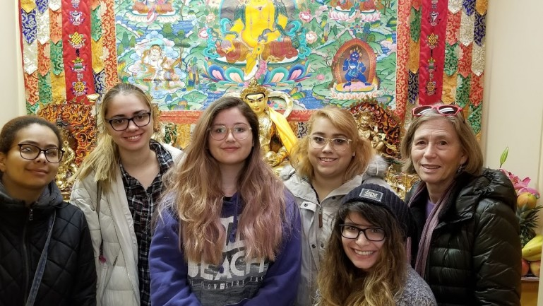 Students in Prof Benton's Chinese Religion class on a field trip