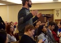 Tom Steen '18 asks a question about traumatic brain injury during the keynote address at the 2017 Chicago Society for Neur...