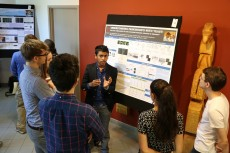 Niam Abeysiriwardena '20 explains his research and findings to his fellow Richter Scholars.